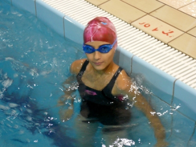 السماح للنساء بالذهاب أحواض السباحة السويد بصدور عارية 30683810.jpg