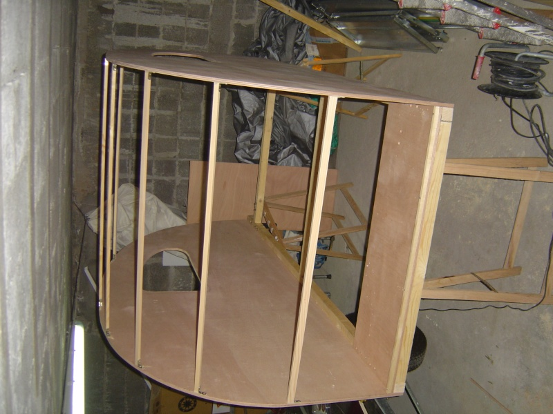 construction d une teardrop bretonne. Black Bedroom Furniture Sets. Home Design Ideas