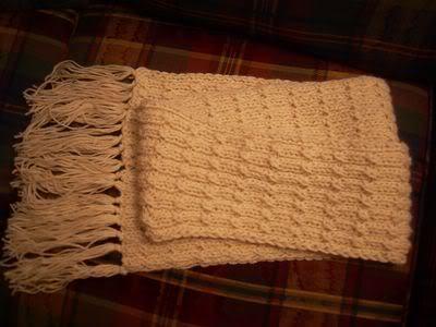 Đan khăn len – Cách Đan khăn kiểu nửa vặn thừng nổi