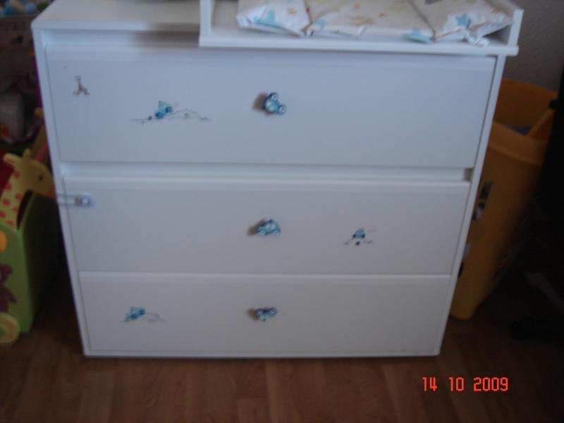 peindre des panneaux particules pour la commode de mon fils. Black Bedroom Furniture Sets. Home Design Ideas