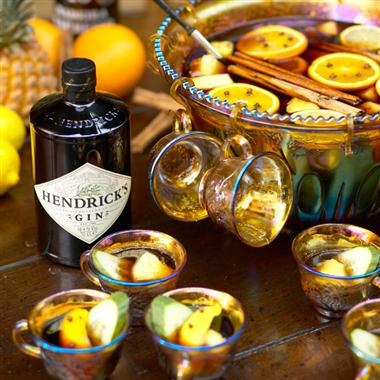 Charles Dickens' Hot Gin Punch