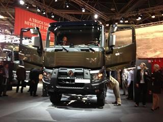 nouvelle gamme renault trucks 2013 euro 6. Black Bedroom Furniture Sets. Home Design Ideas
