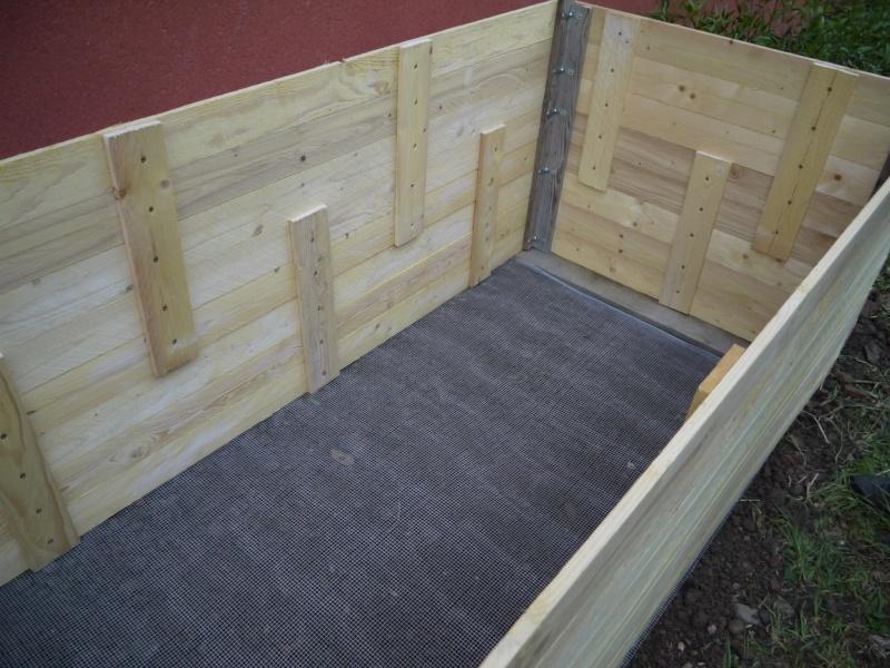Enclos hors sol - Fabriquer un bassin en bois ...