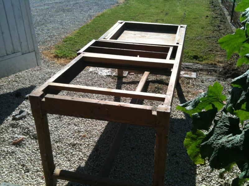 Restauration d 39 une table de ferme for Restauration d une table en bois